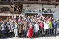 Zur jährlichen Tagung der Privaten Braugasthöfe, diesmal im Mitgliedsbetrieb Martinerhof in Sankt Martin, Südtirol, finden sich traditionell fast alle der zugehörigen Mitglieder ein.